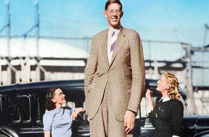 Robert-Wadlow-Colourised-Tallest-man-in-the-world