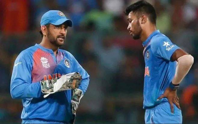 Hardik-Pandya-Dhoni-together-FactsArticles World Cup