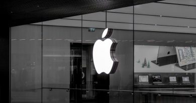 Apple India First Offline Store